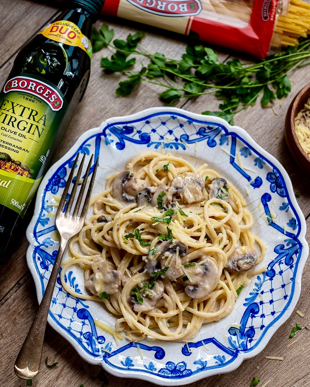 Creamy Garlic and Mushroom Spaghetti
