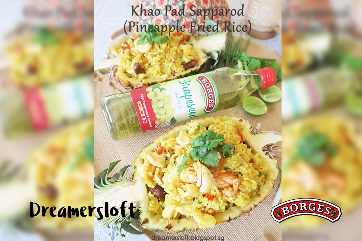 Khao Pad Sapparod (Pineapple Fried Rice)